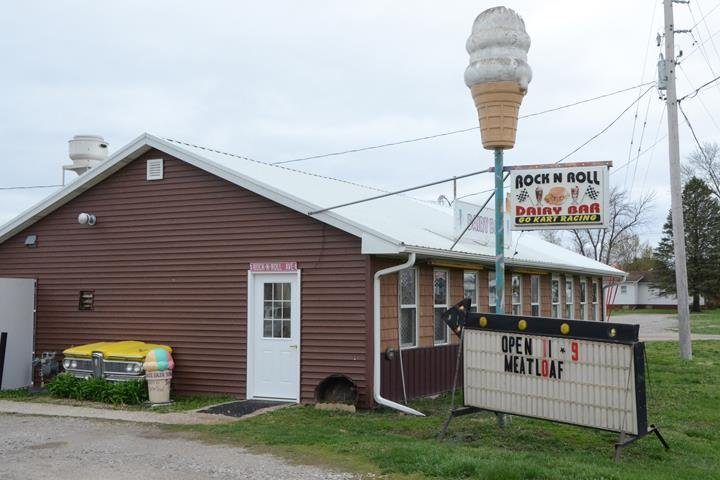 Rock N Roll Dairy Bar & Raceway: 1110 S Madison Ave, Ottumwa, IA