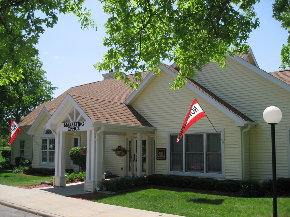 Winwood Apartments: 6031 Meadow Crest Dr, Johnston, IA