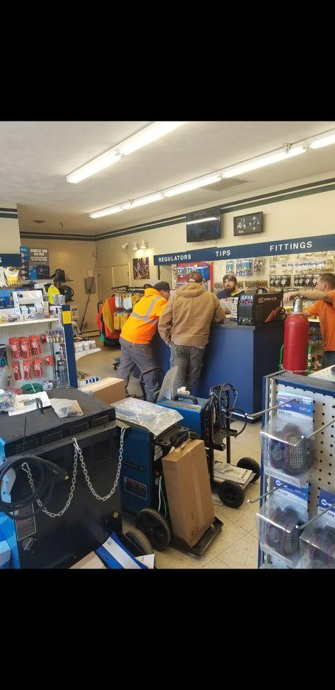 Igo's Welding Supply Company: 205 Grove St, Watertown, MA