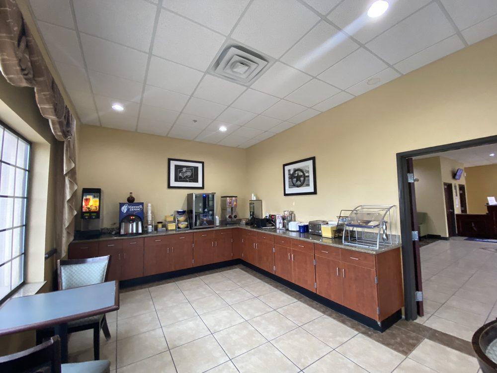 Days Inn by Wyndham Salado: 10825 South Interstate 35, Salado, TX