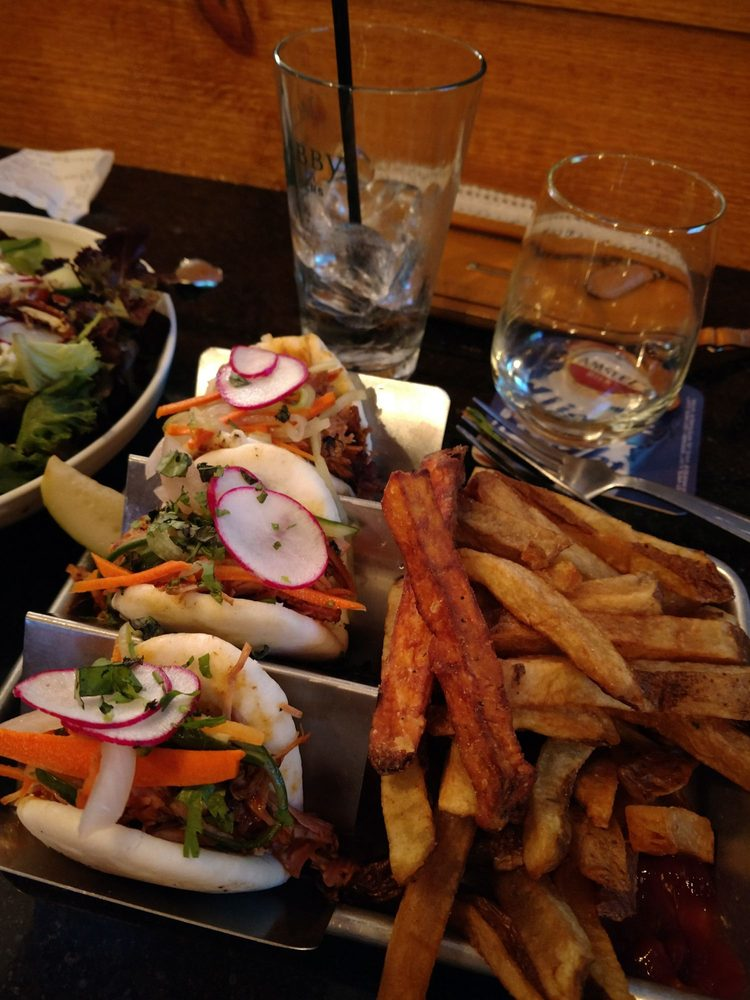 Food from Maddi's Cookery & Taphouse