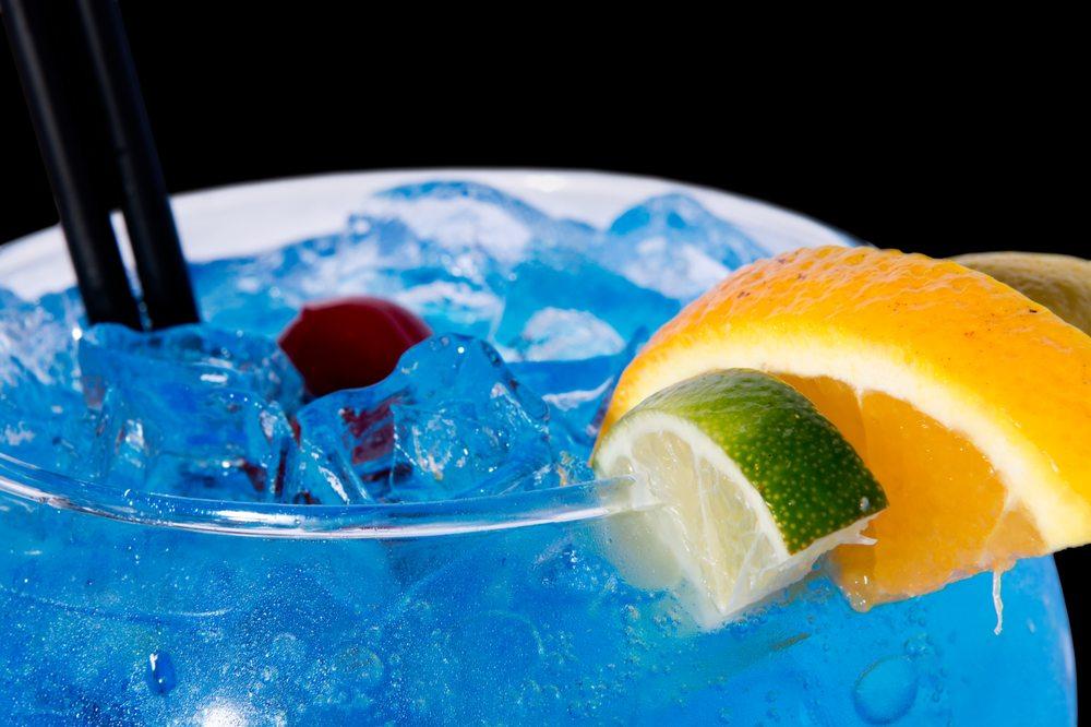 Wave Lounge: 777 Casino Way, Blue Lake, CA