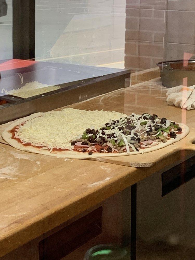 Mario's Pizza: 522 US Hwy 70 W, Havelock, NC