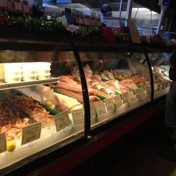 Walt s fish market restaurant south 259 photos 342 for Sarasota fish restaurants