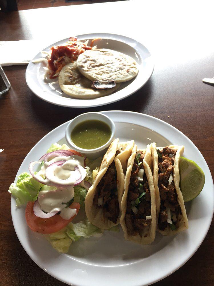 Food from Mi Comalito