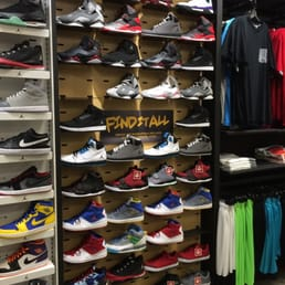 footaction footwear shoe stores 20700 avalon blvd carson ca phone number yelp. Black Bedroom Furniture Sets. Home Design Ideas