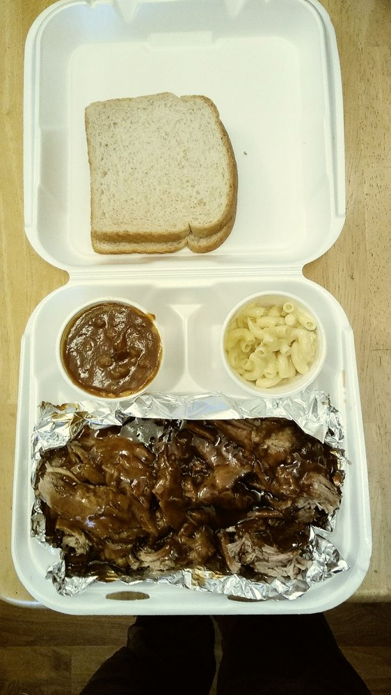 Pittt Barbeque & Grill: 6320 Oaklandon Rd, Indianapolis, IN