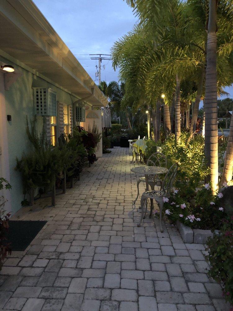 Haley's Motel: 8102 Gulf Dr, Holmes Beach, FL