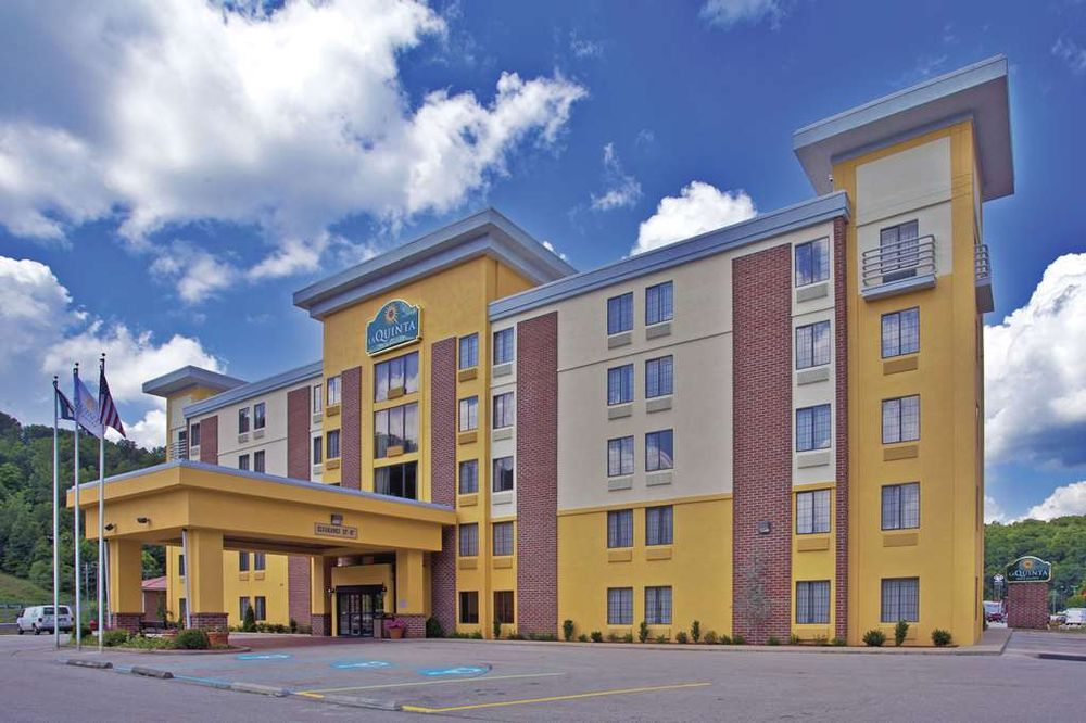 La Quinta by Wyndham Elkview - Charleston NE: 101 Crossing Shopping Mall, Elkview, WV