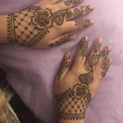Show me some pictures of mehndi
