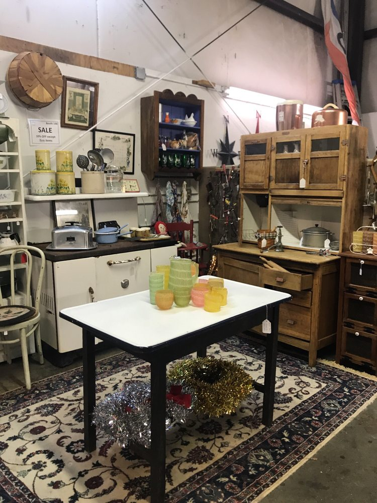 Unique Antiques Mall: 9600 James Madison Pkwy, King George, VA