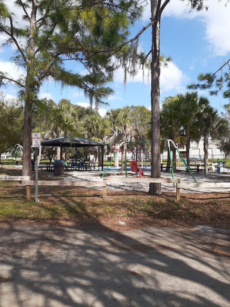 Riverhills Park: 401 S Riverhills Dr, Tampa Bay, FL