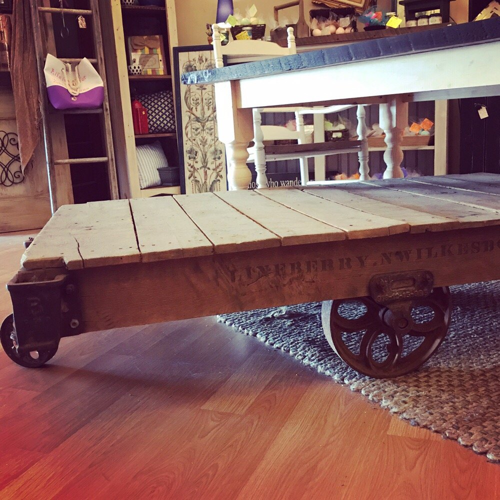 Surprising Vintage 1930S Railroad Cart That Would Make An Awesome Interior Design Ideas Tzicisoteloinfo