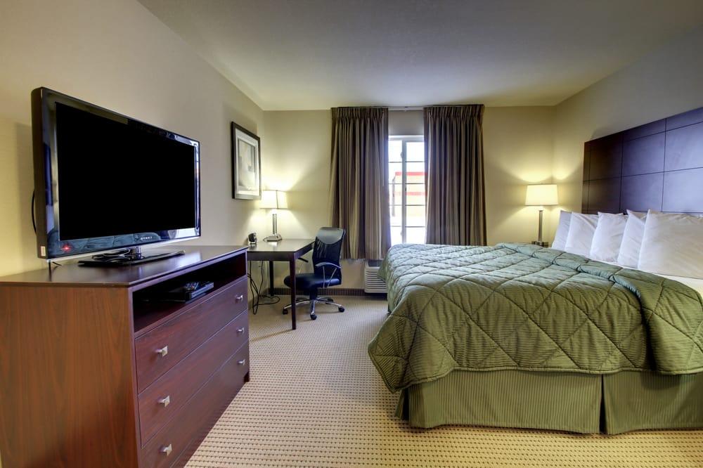 Cobblestone Inn & Suites - Carrington: 835 5th Ave N, Carrington, ND