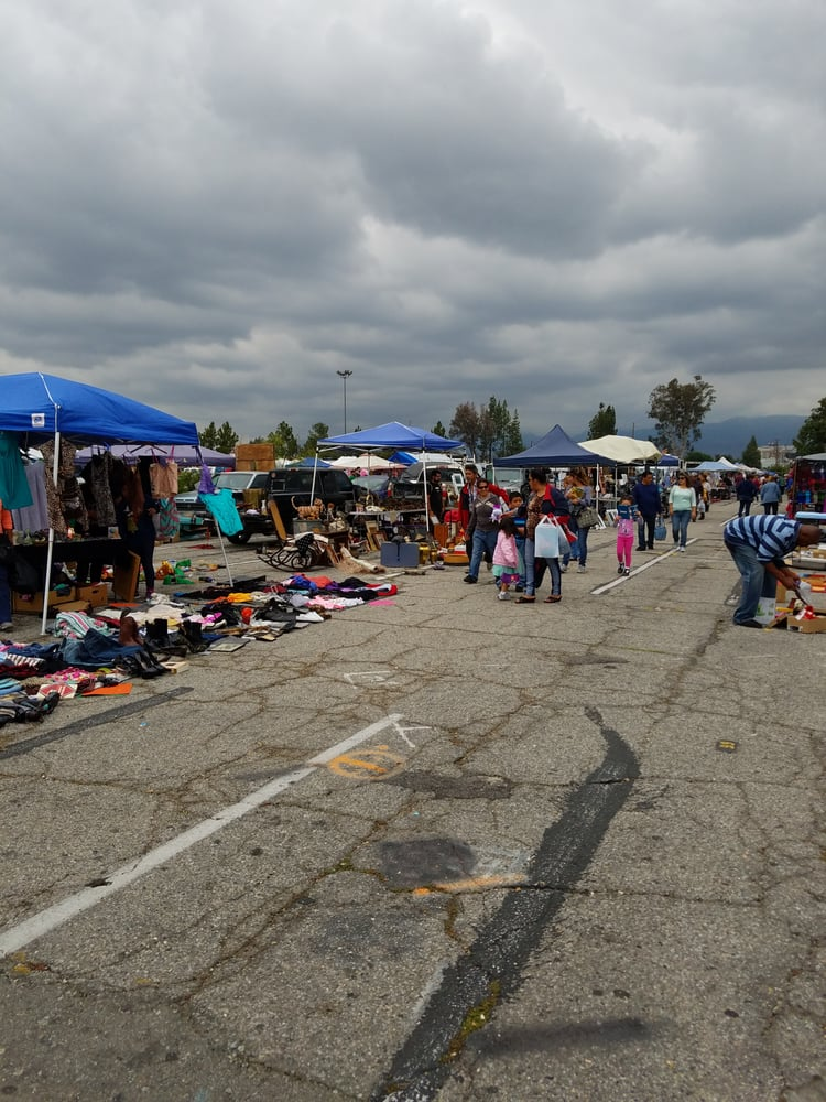 The Orange Show Outdoor Market and Swap Meet: 689 S E St, San Bernardino, CA