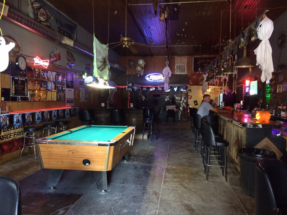Frog Branch Saloon: 207 N Pecan St, Malone, TX