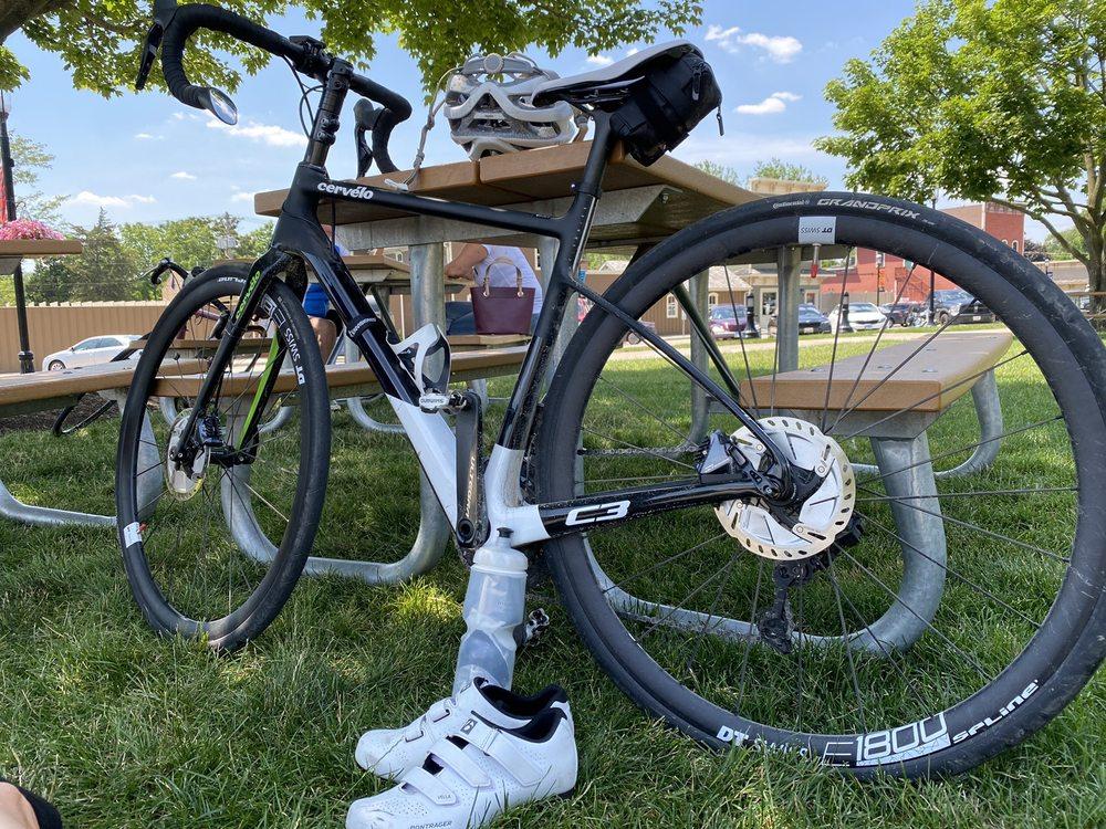 Main Street Bicycles: 39 E Main St, Carpentersville, IL