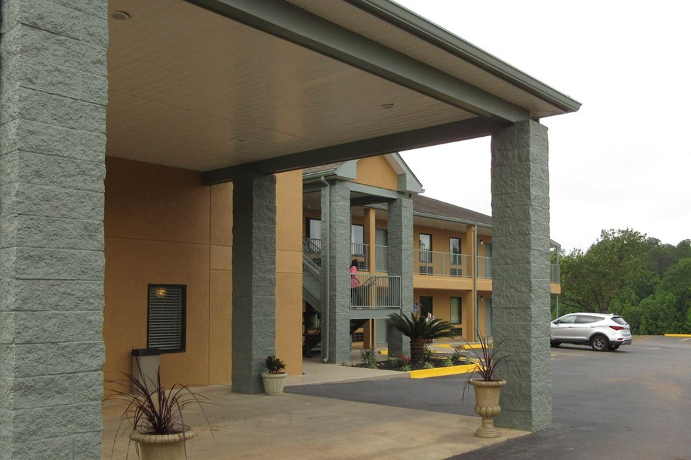 Econo Lodge: 142 US Hwy 82 E, Cuthbert, GA