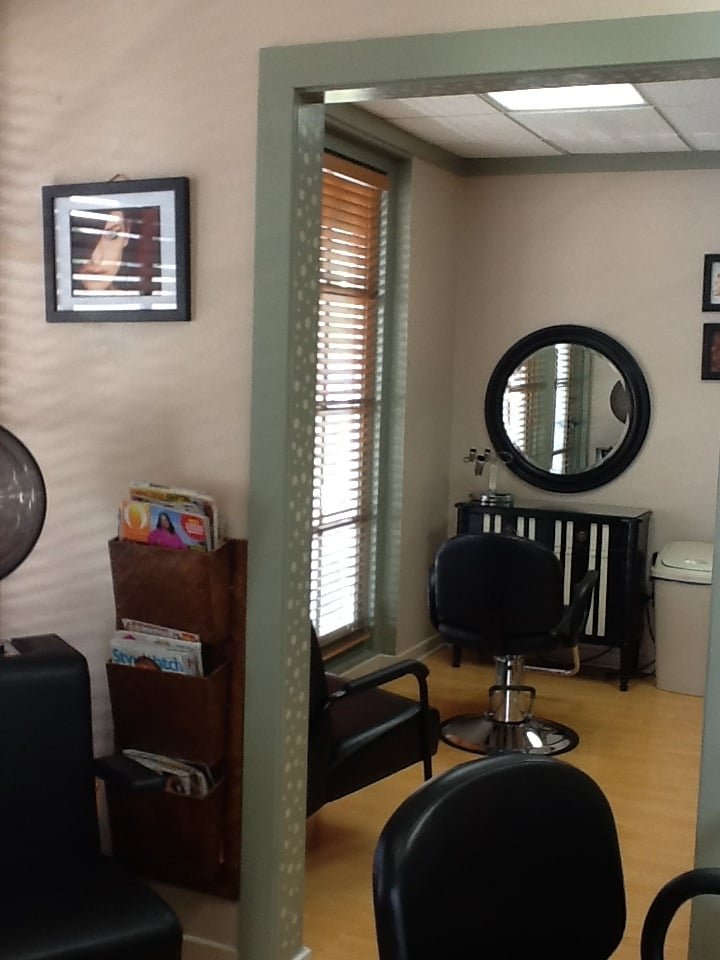 Perfect Hair Studio: 1615 S Mission Rd, Fallbrook, CA