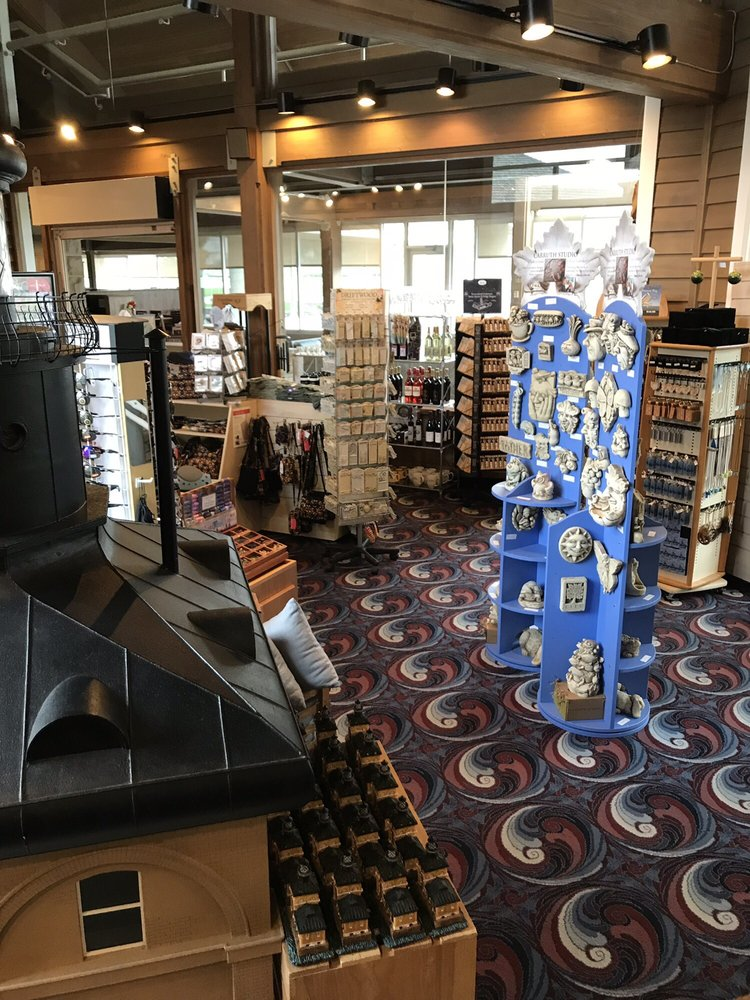 Maumee Bay Lodge Gift Shop: 1750 Park Rd 2, Oregon, OH