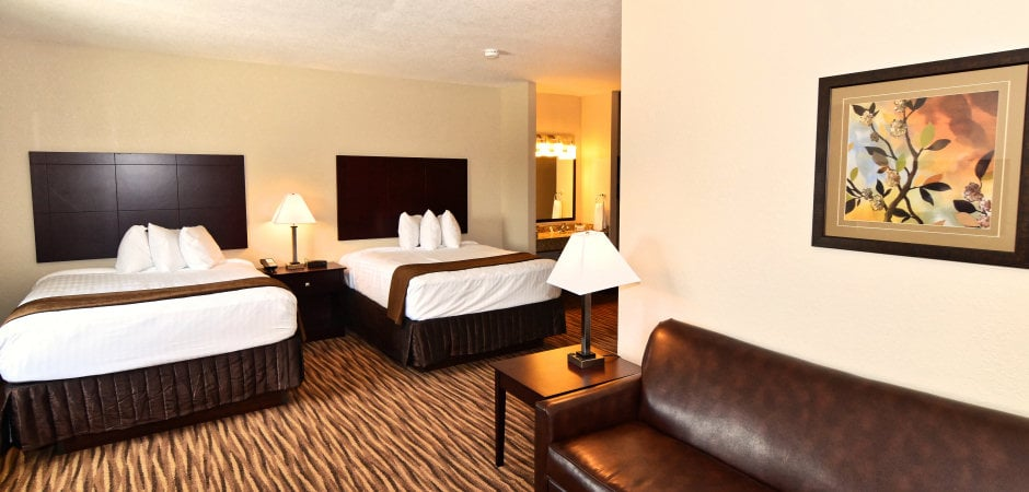 Cobblestone Inn & Suites - Clarion: 500 Central Ave W, Clarion, IA