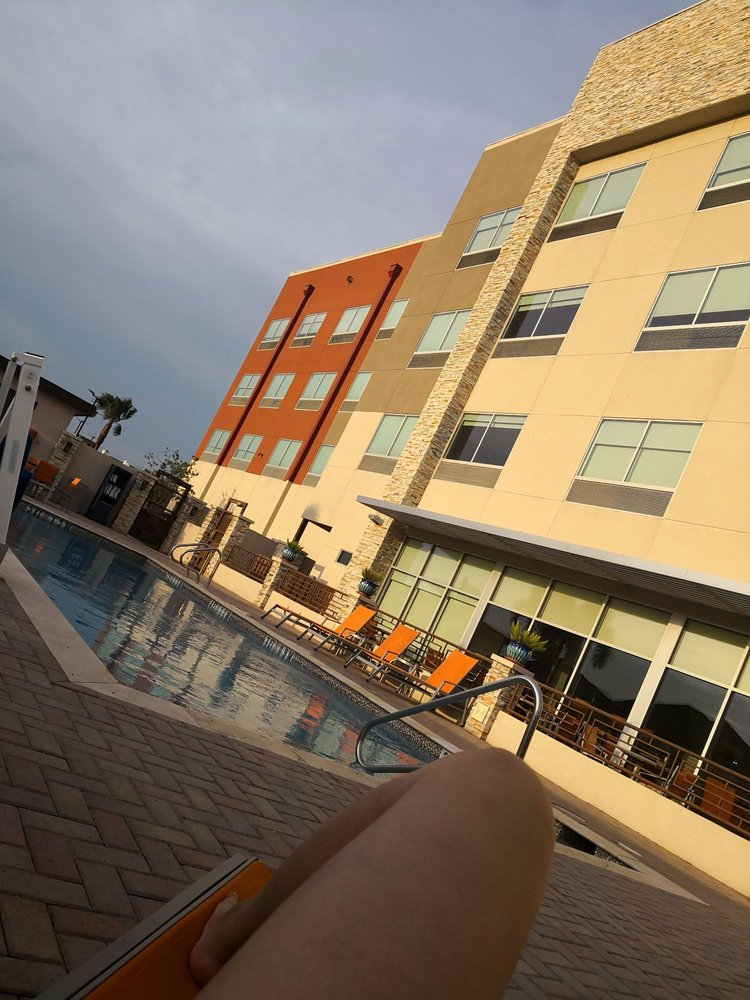 Holiday Inn Express & Suites Edinburg-Mcallen Area: 3801 S Business Hwy 281, Edinburg, TX