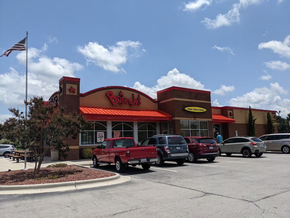 Bojangles' Famous Chicken & Biscuits: 426 N Jackson St, Beulaville, NC