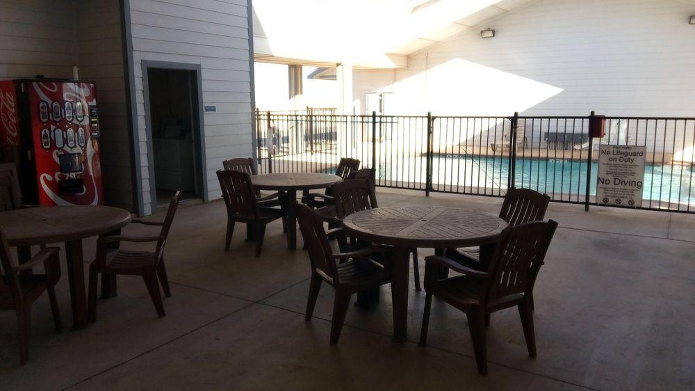 Southern Inn & Suites: 1617 Hwy 87, Lamesa, TX