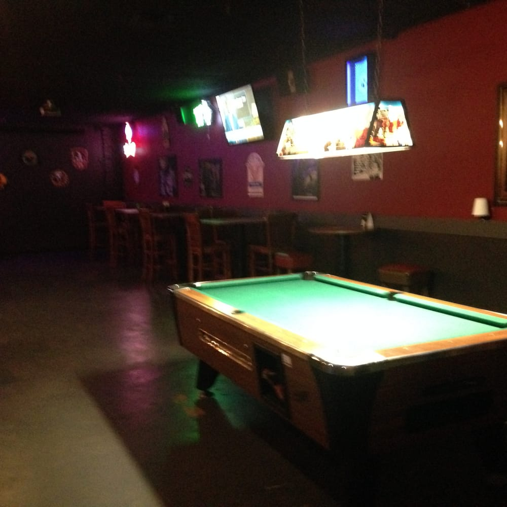 Pool Table Empty Bar Yelp - Bar and pool table near me