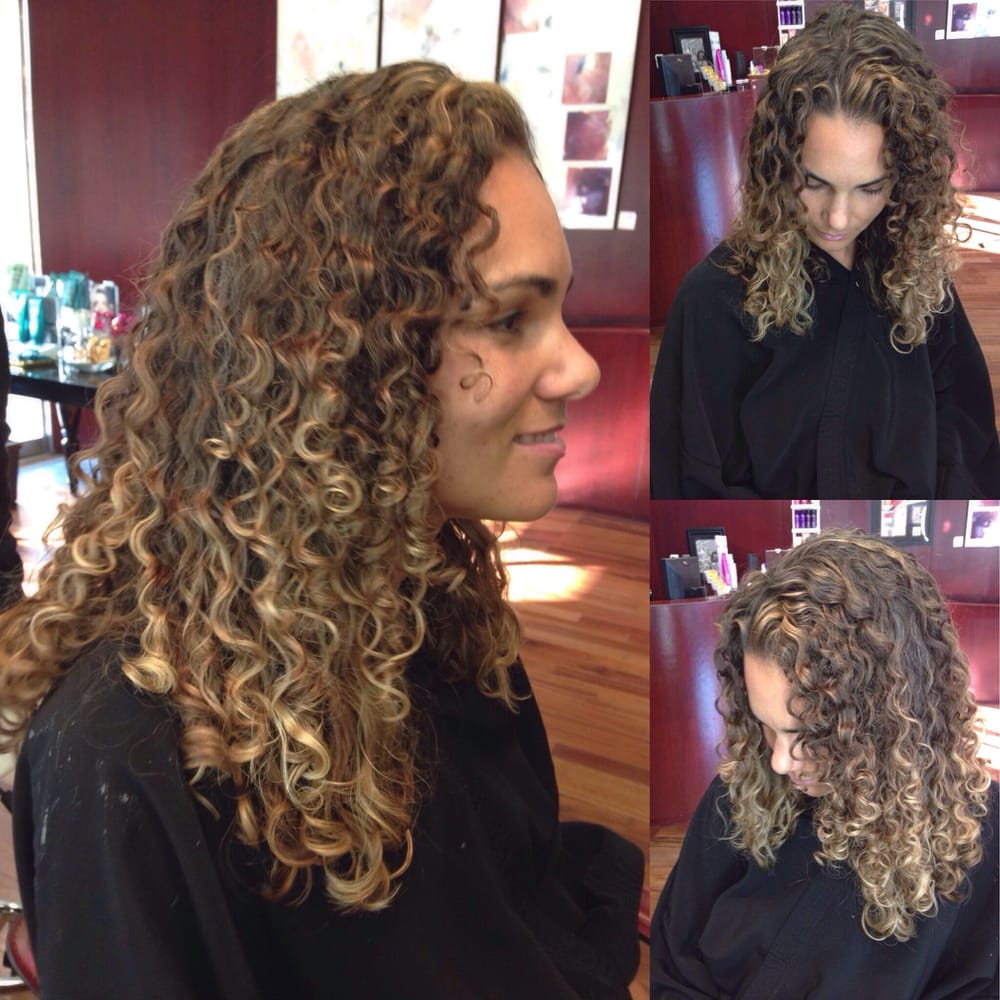 Curly Set And Cut By Kalizya Balayage Highlights By Patrycja - Curly cut dc