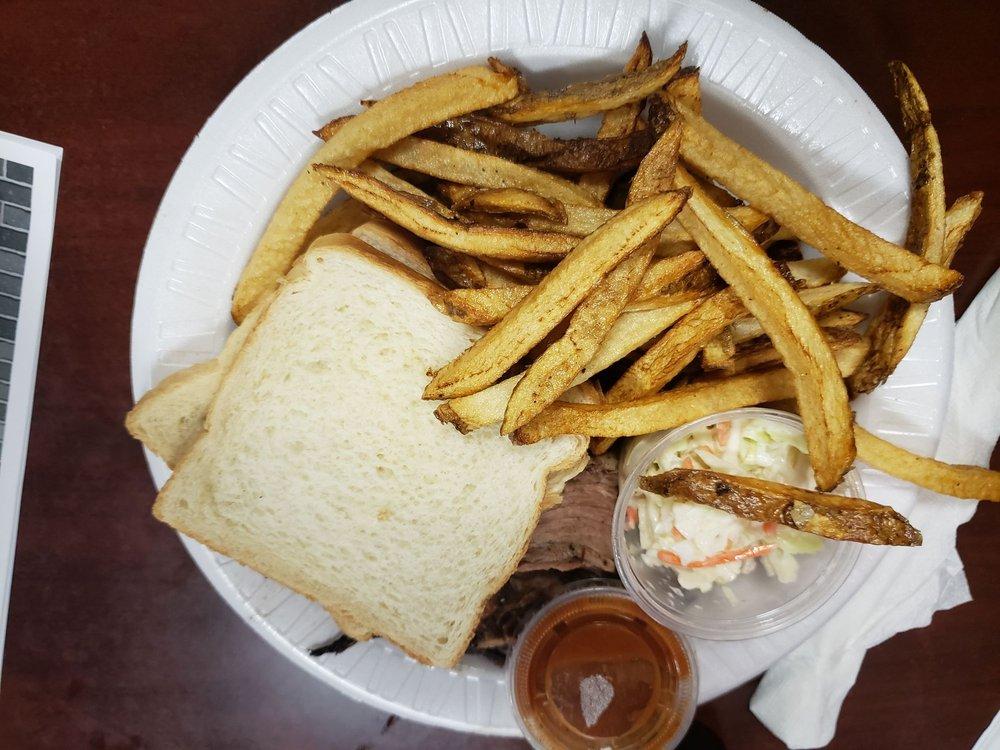 Crosstown BBQ: 1331 E Division St, Springfield, MO