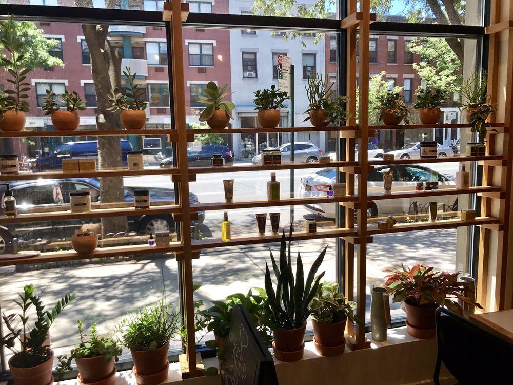 Ruchki da Nozhki: 381 Atlantic Ave, Brooklyn, NY