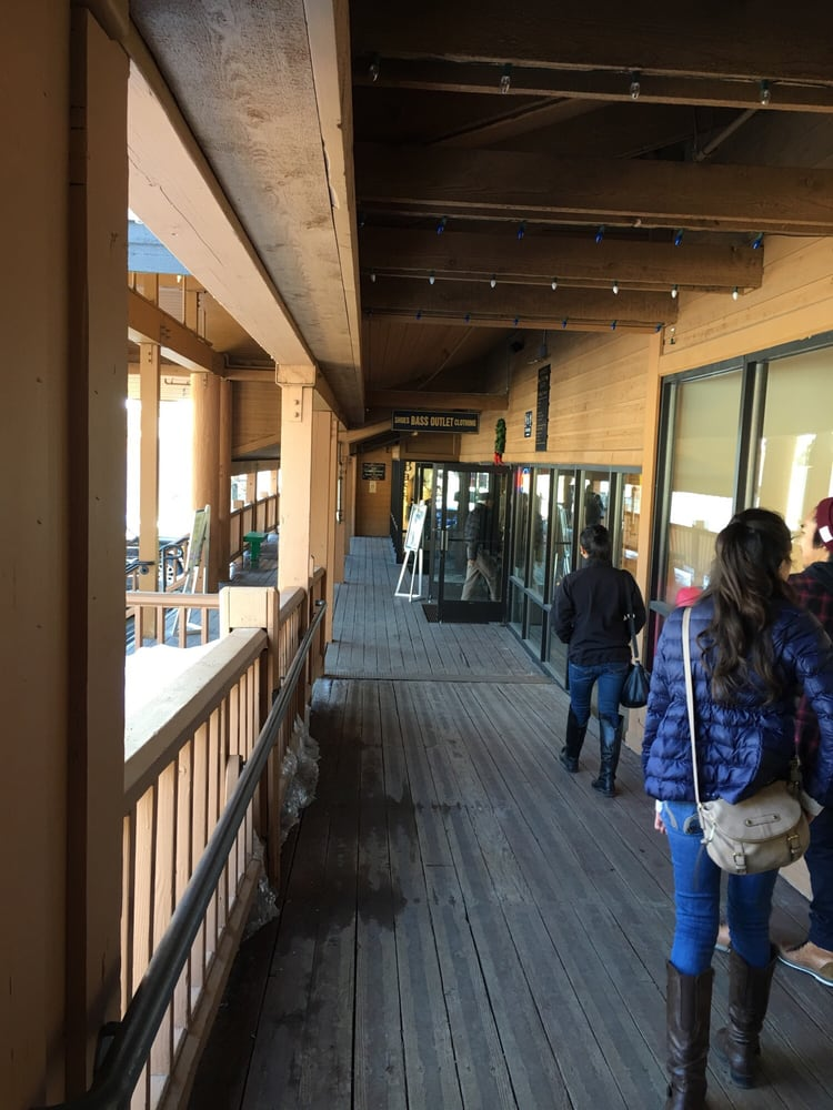 Mammoth Luxury Outlets