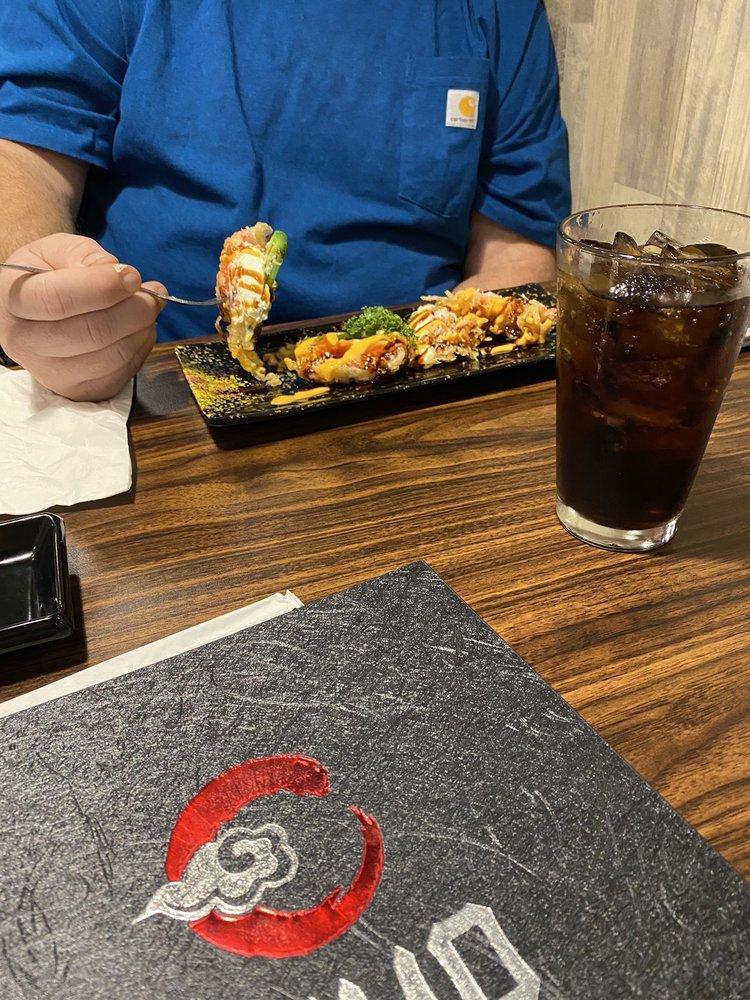 Kumo Sushi: 1355 sam houston jones pkwy, Moss Bluff, LA