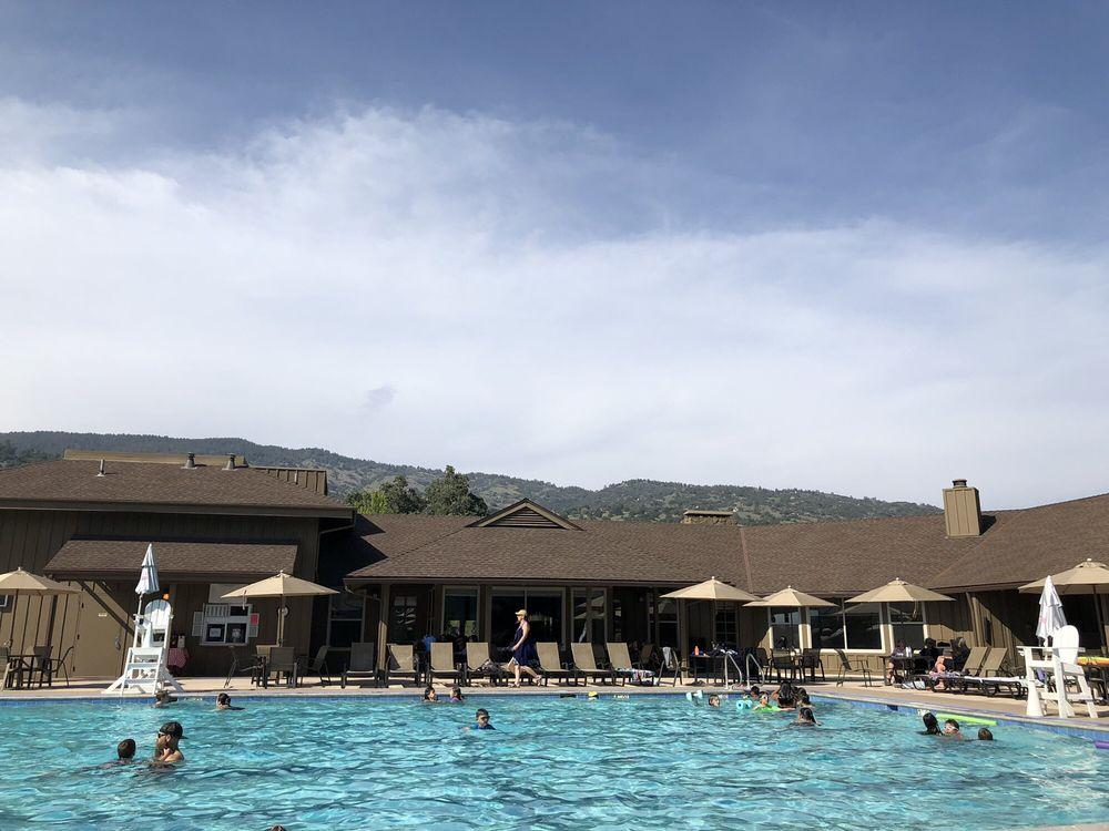 Bear Valley Springs Community Pool: 29500 N Lower Valley Rd, Tehachapi, CA