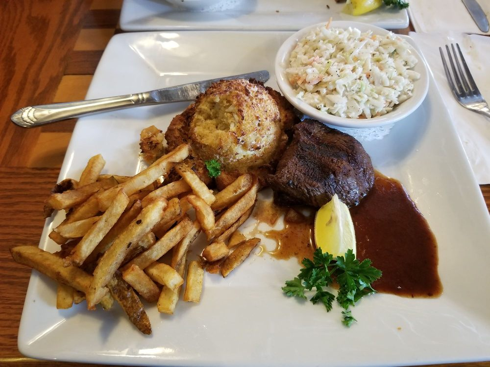 Chess N Checkers Pub & Restaurant: 1801 Airport Rd, Allentown, PA