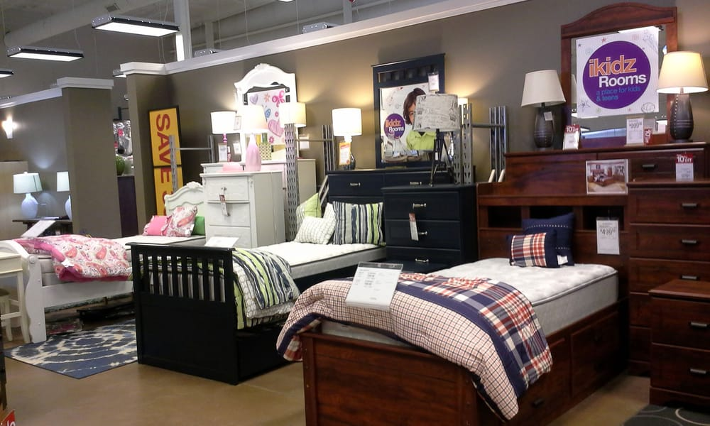 Slumberland Furniture - Willmar: 2614 1st St SW, Willmar, MN
