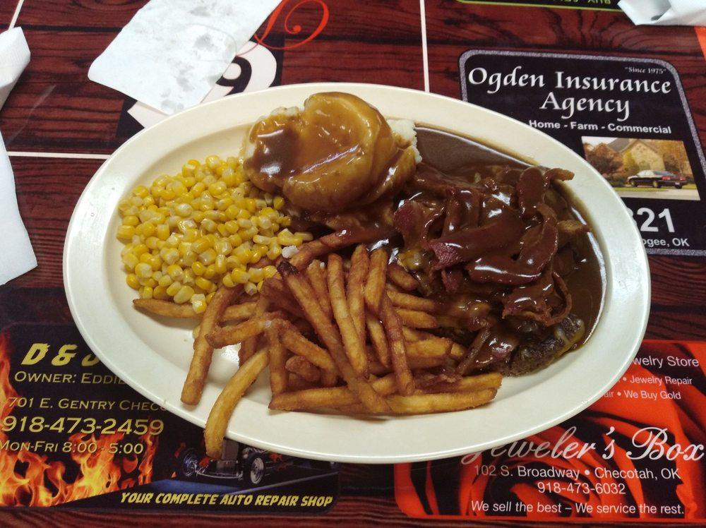 69 Diner: 722 N Broadway St, Checotah, OK