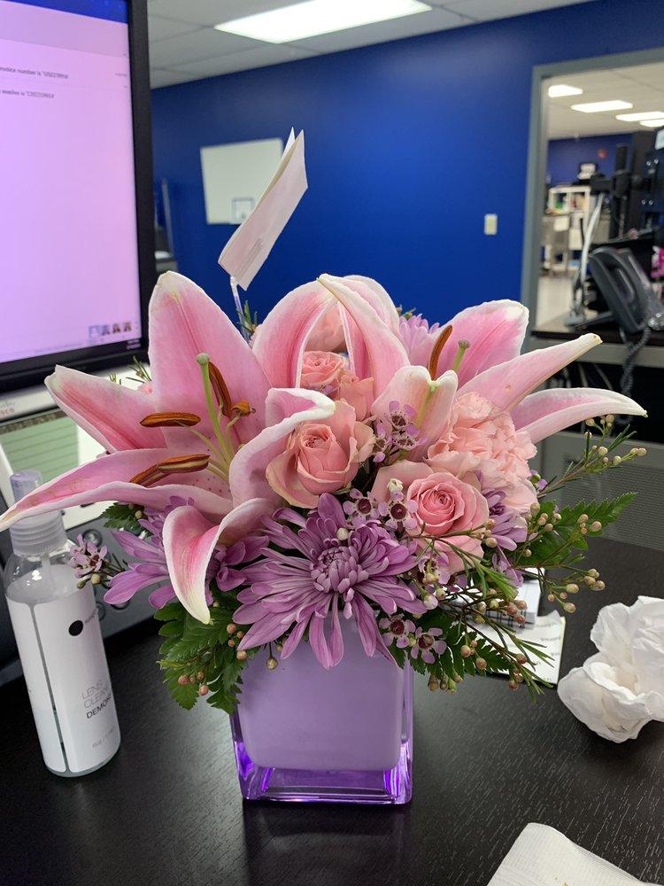 Rose Garden Florist: 10610 Seminole Blvd, Largo, FL