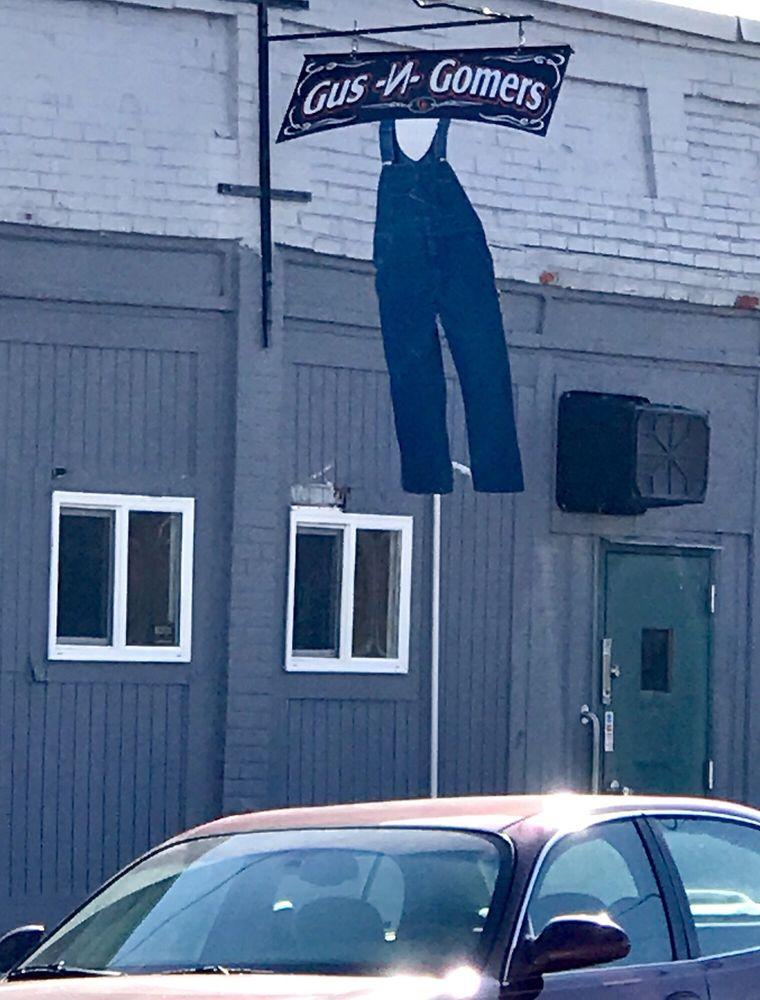 Gus N Gomers: 121 Maple St, Metamora, OH