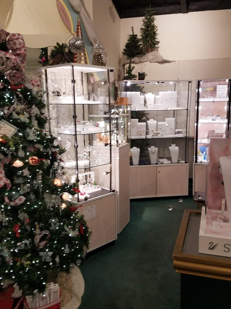 Kristmas Kringle Shoppe: 1330 S Main St, Fond Du Lac, WI