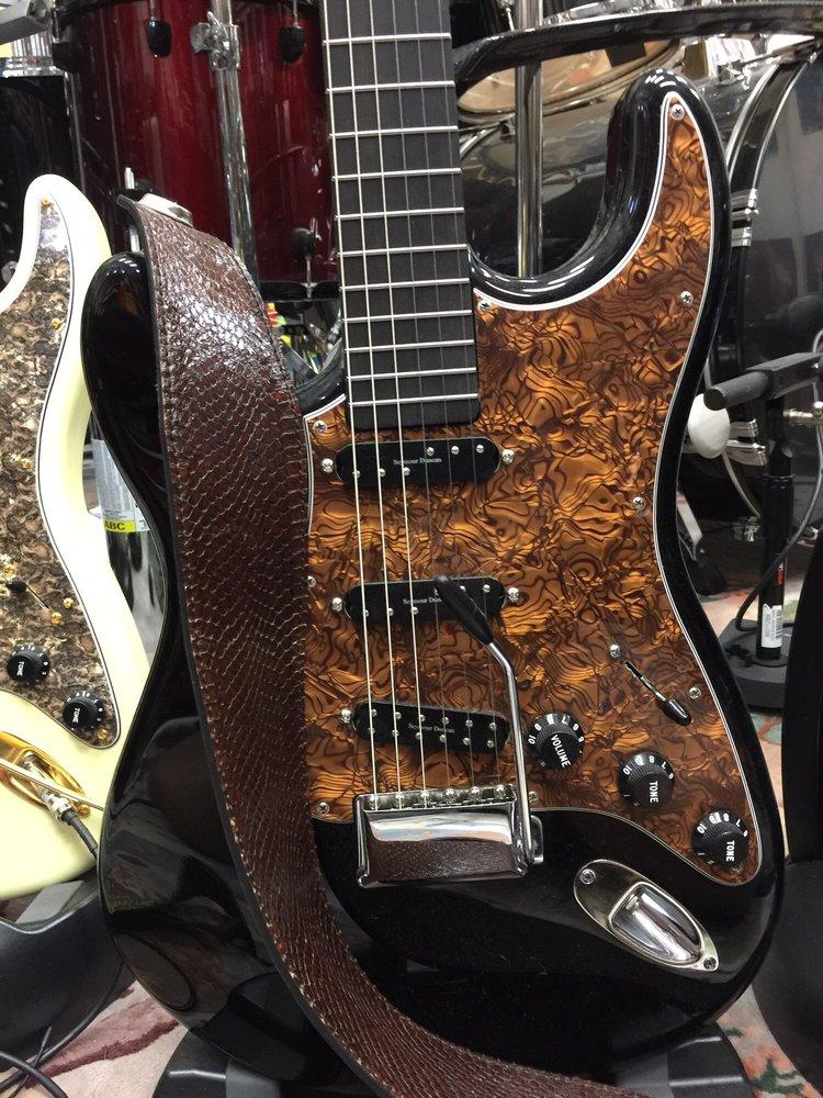 TR Guitars