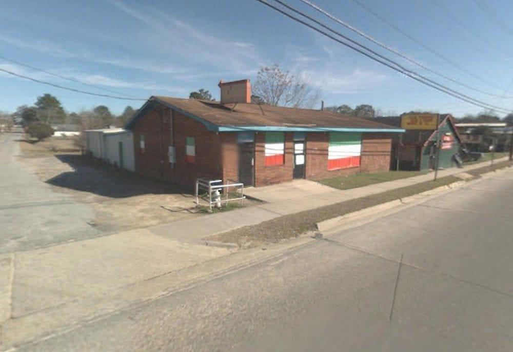 Santos Lounge: 1101 S Main St, Tifton, GA