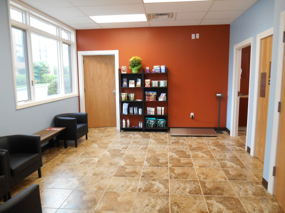 Riverview Animal Hospital: 102 Fairfield Ave, Bellevue, KY