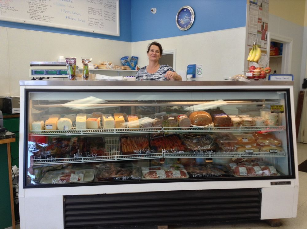 Jo's One Stop: 401 N 69th Hwy, Arma, KS