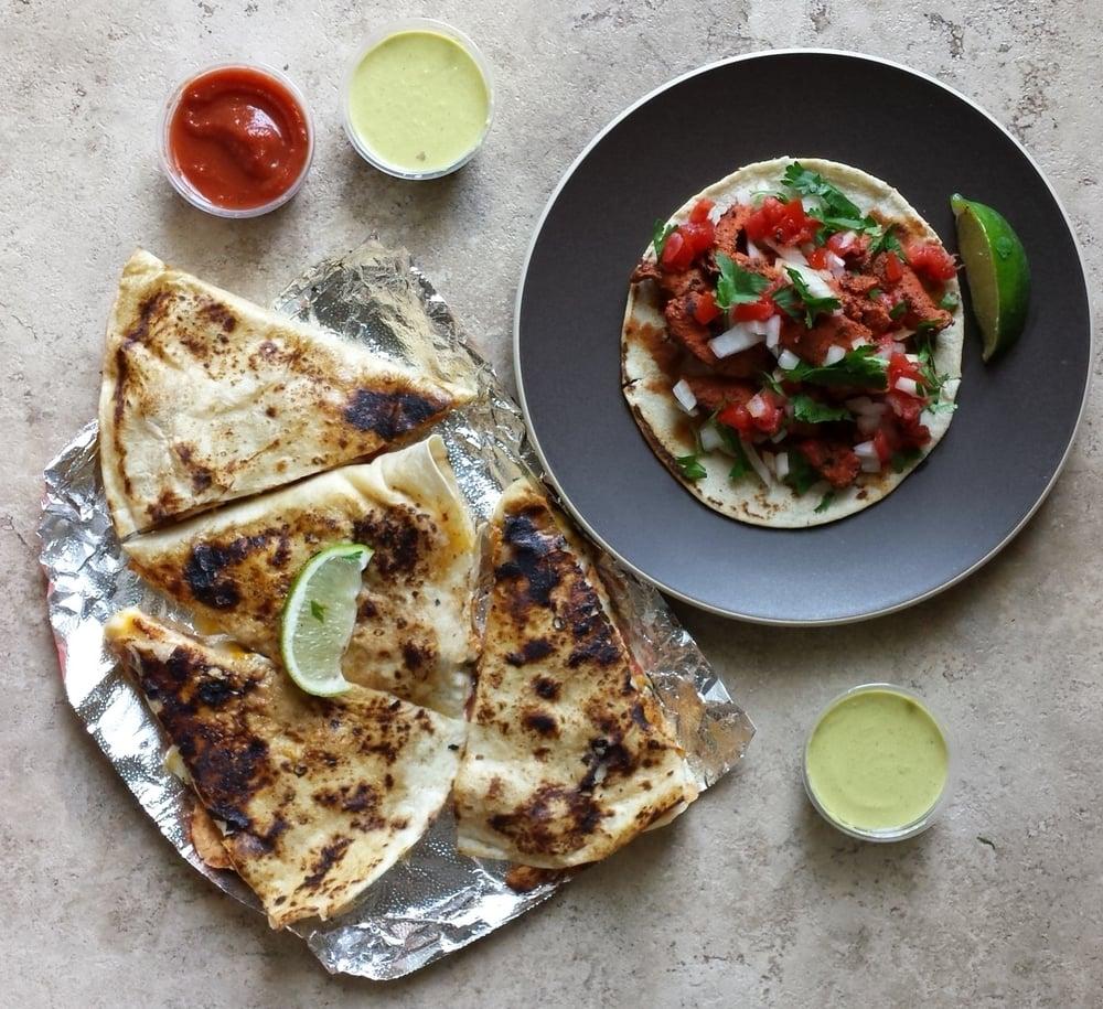 Grandotes Taco Grill