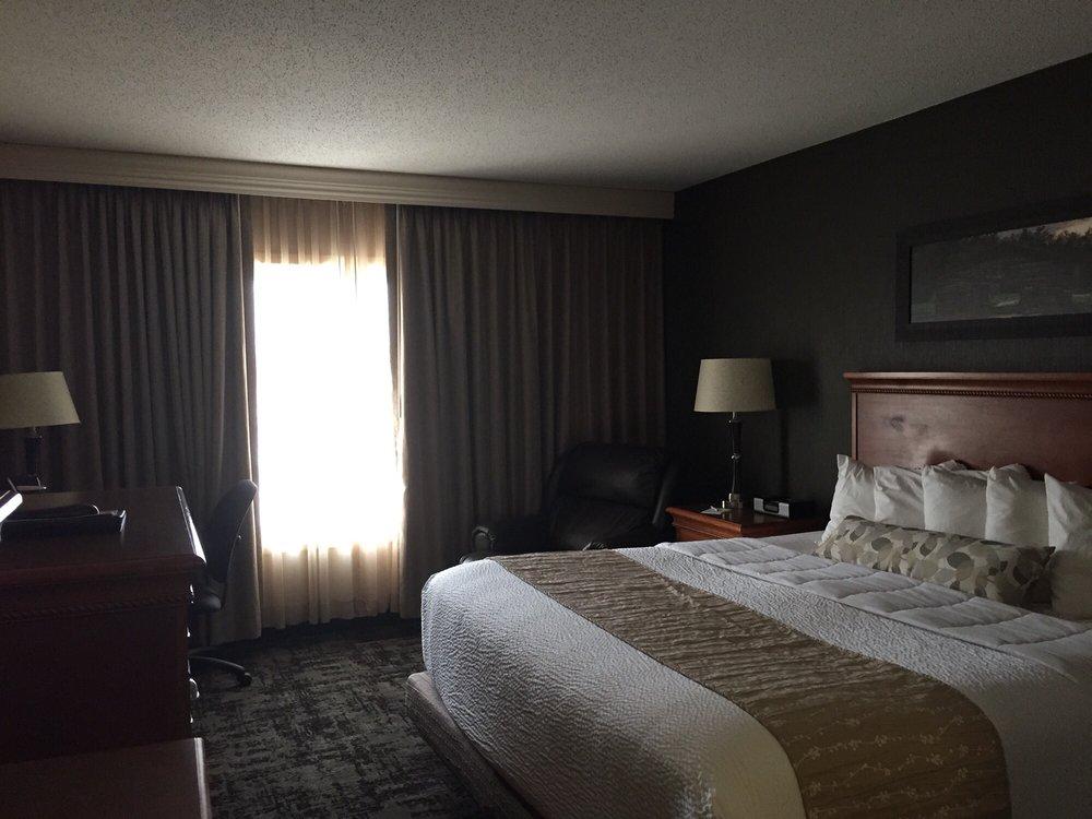 C'Mon Inn: 3051 32nd Ave S, Grand Forks, ND