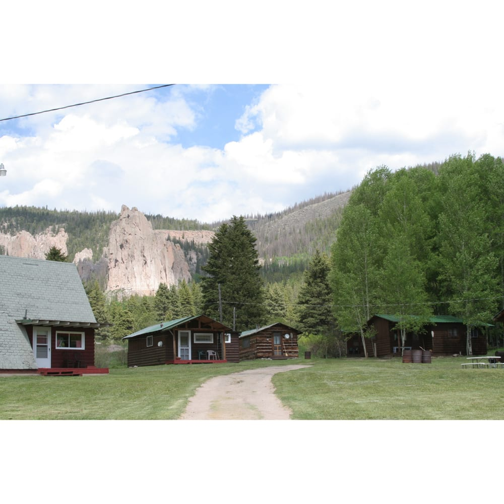 Cathedral Ranch Cabins: 2104 County Rd 52, Powderhorn, CO