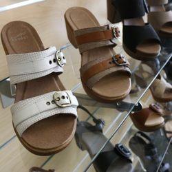bc0575ffd9bd Lucky Feet Shoes - 51 Photos   80 Reviews - Shoe Stores - 9635 ...