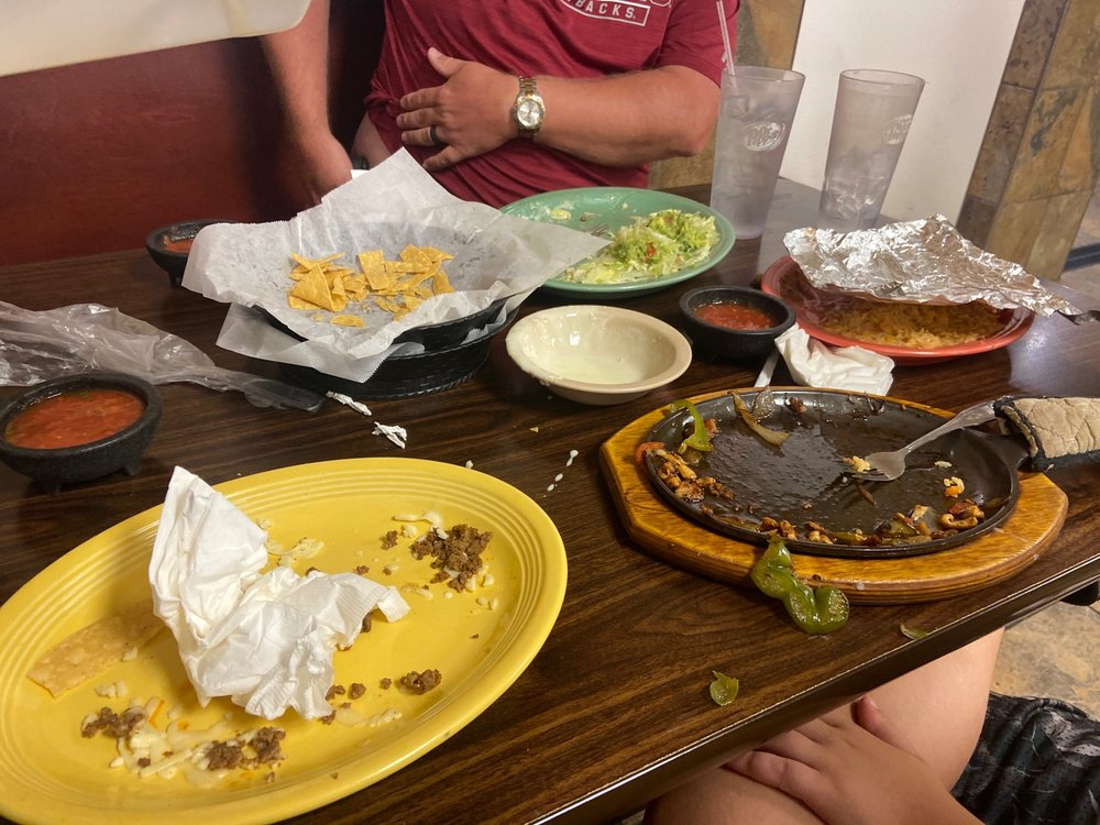 El Mexico  Lindo Restaurante: 816 Hwy 62 65 N, Harrison, AR